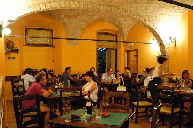 Il giardino dei ciliegi agriturismo assisi capodacqua ristorante piscina - Agriturismo il giardino dei ciliegi ...
