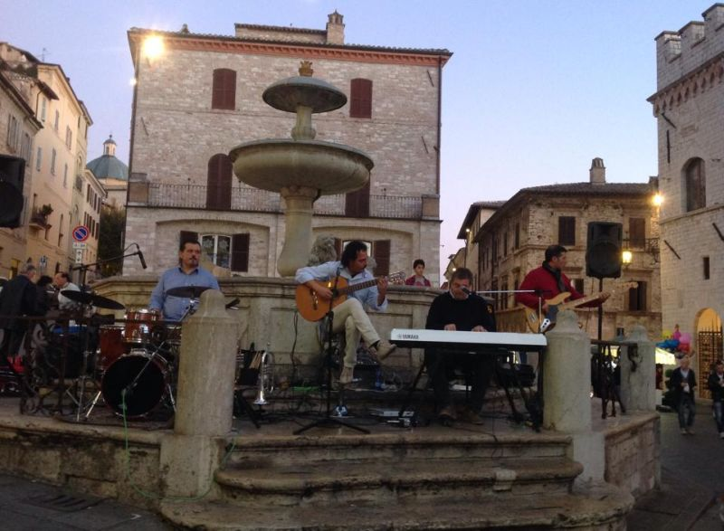 Four-B in concerto in piazza