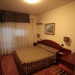 Camera Parquet Hotel Melody Deruta