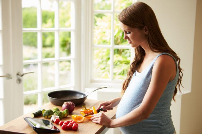 Mangiare in gravidanza: come e cosa