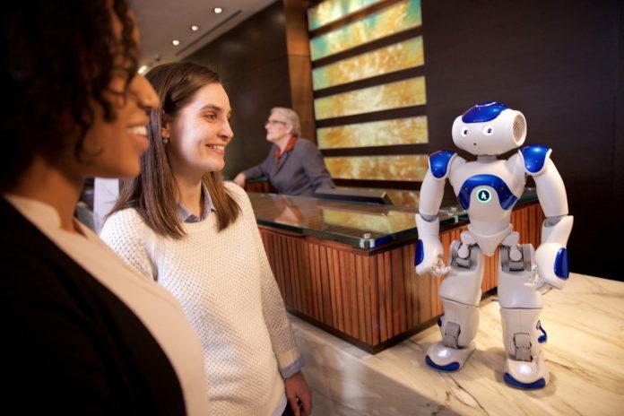 Dormire in hotel con servizi esclusivi come il robot