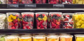 Frutta già tagliata: ecco perché fa male