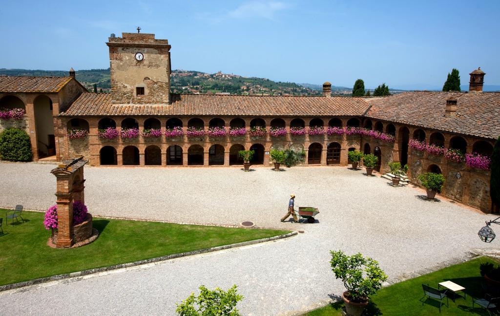 Locanda dell'Amorosa: un castello ristrutturato